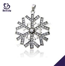 la belleza de la forma de copo de nieve letras de metal para joyería