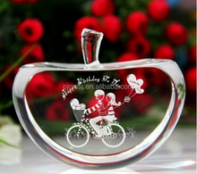 Clear Crystal Apple Paperweight With 3D Laser Engraving For Souvenirs Gift