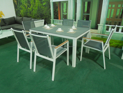 All-Weather Outdoor Modern Design Classical Black Tempered Glass Dining Set