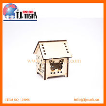 BIRD HOUSE WITH BUTTERFILY IMIGE