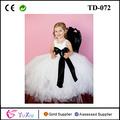 blanco vestido de cumpleaños para niña con forro y negro hoja tutu vestido