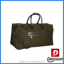 Army green expandable travel duffel shoulder bag for men