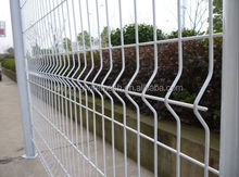Temporary decorative Garden Welded Curved Fence, Bending Triangular Wire Mesh Fence With ISO Certificaiton