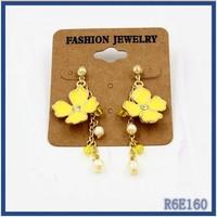 Bulk european style costume rhinestone accessories jewelry free sample big brand cute yellow flower earring post