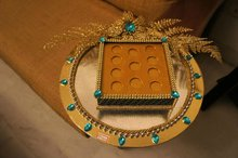 Gini/gold coin platter