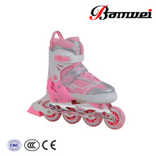 Hot sale good material new design 4 wheel retractable roller skate shoes
