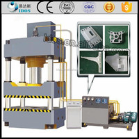 Hot hydraulic press for rubber, rubber tile making machine and mould machine