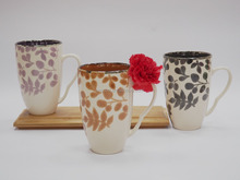 Drum shape coffee cup and small dots with hand cheap sale
