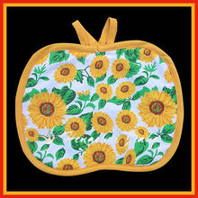 100% cotton cover cheap enthusiastic apple shape Pot Holder with daisy design
