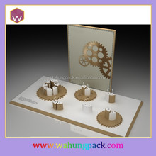 Round Rotating Jewelry Display Cases & Customize Leather Jewellery Display Showcase