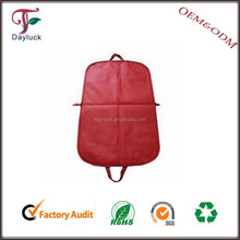 Red color wholesale travel fabric garment bags/ suit cover