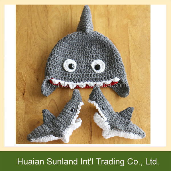 W 974 Funny Unisex Crochet Pattern Shark Socks Knitted Shark Socks