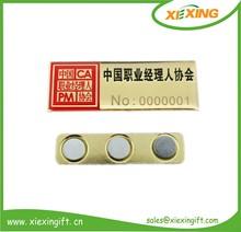 2014 nombre personalizado de metal etiqueta magnética nombre insignia