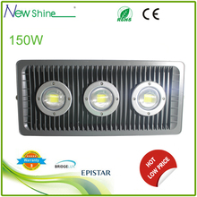 Football filed useing heavy aluminum led 150w flood light
