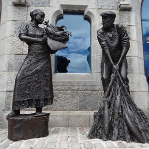 ngoài trời vườn Aberdeen Công Nghiệp Đánh Bắt Cá Tưởng Niệm thủ công Kim Loại Người Đàn Ông và Người Phụ Nữ Điêu Khắc