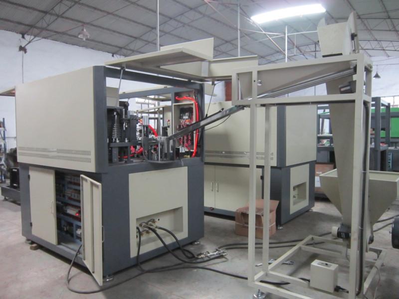 TNN-A2 full automatic blow molding machine-1_.jpg