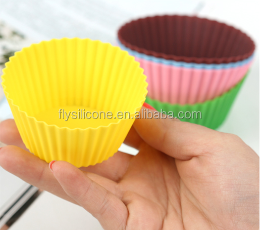 Alibaba China Non-stick easy demold Cake cups Silicone baking cups