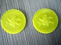 2015 cheap custom embossed plastic token coins