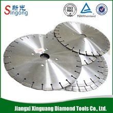 Circular saw for cutting granite and concrete