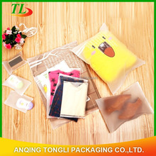 Best selling 2015 plastic zipper garment bag /underwear bag with zipper / clothing bag with zipper