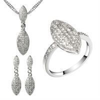 the charming jewelry set with golden plating for fashion ladies