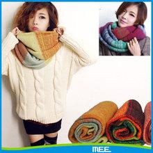 2015 new fashion colorful infinity scarf knitting pattern