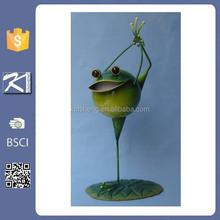 Alibaba wholesale fashion design metal frog garden ornaments