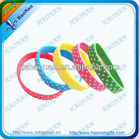 China birthday party colour fashion cheap silicone wristbands craft supplies