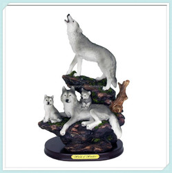 Animal wolf figurine decoration statue