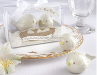 Wholesale Beautiful birds designs Salt and Pepper Shaker Wedding Favors / Mini Porcelain Gift