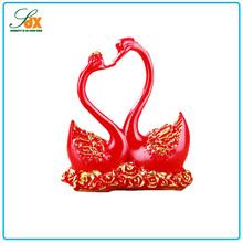 Design fashionable luxury resin heart shaped swan wedding decor