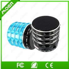 Nice design with TF card reading microphone battery inside mini bluetooth speaker