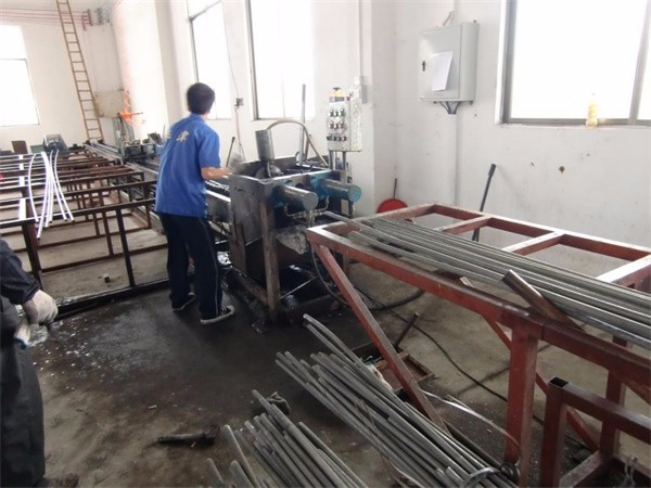 Iron rod drawing machineA.jpg