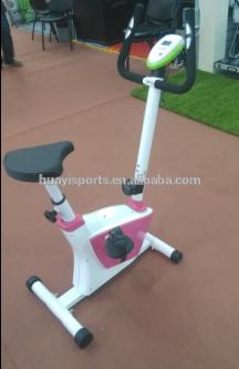 deportes y entretenimiento de equipos de fitness con bicicleta de ejercicio 2015