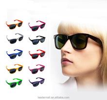 Cheap Promotional fashion wayfarer glasses Factory Custom logo design sunglasses sg006-042-1