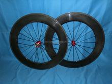 Haute- profil roues en carbone 88mm tubulaire et pneu de vélo de route roue en carbone chinois