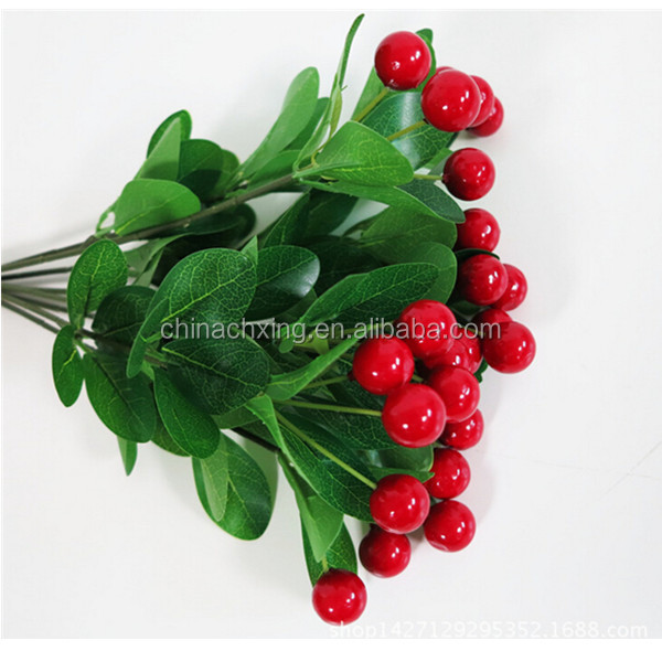 600 18jpg - Red Berry Christmas Tree Decorations