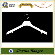 China Supplier Plastic White Hanger for Dress with Shoulder Pads