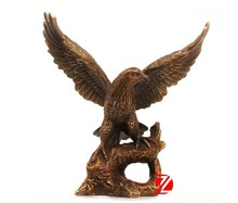 Metal flying small size eagle statues for sale table decoration