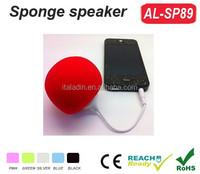 Wholesale promotion gift mini holder speaker balloon sponge mini portable speakers for mobile phones