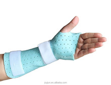 Perforated Thermoplastic splint / hypothermic plastic material