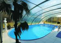 Polycarbonate glazing sheet for swimming pool roofing/skylight/covering