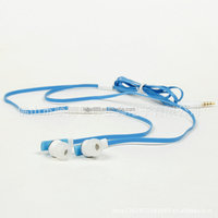 Hot Sale Stereo Flat Wire Plastic In-Ear Headset with mic for smart phone