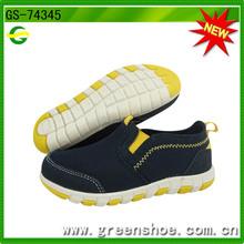 Nueva llegado zapatillas de deporte infantil