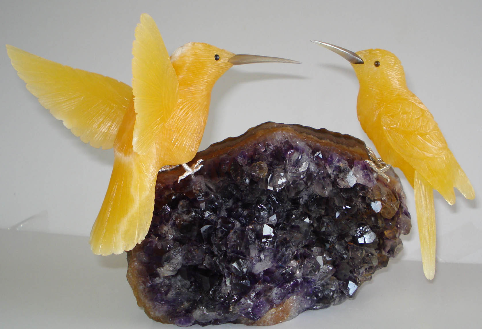 Hand carved gemstones birds sculptures in semi precious stones
