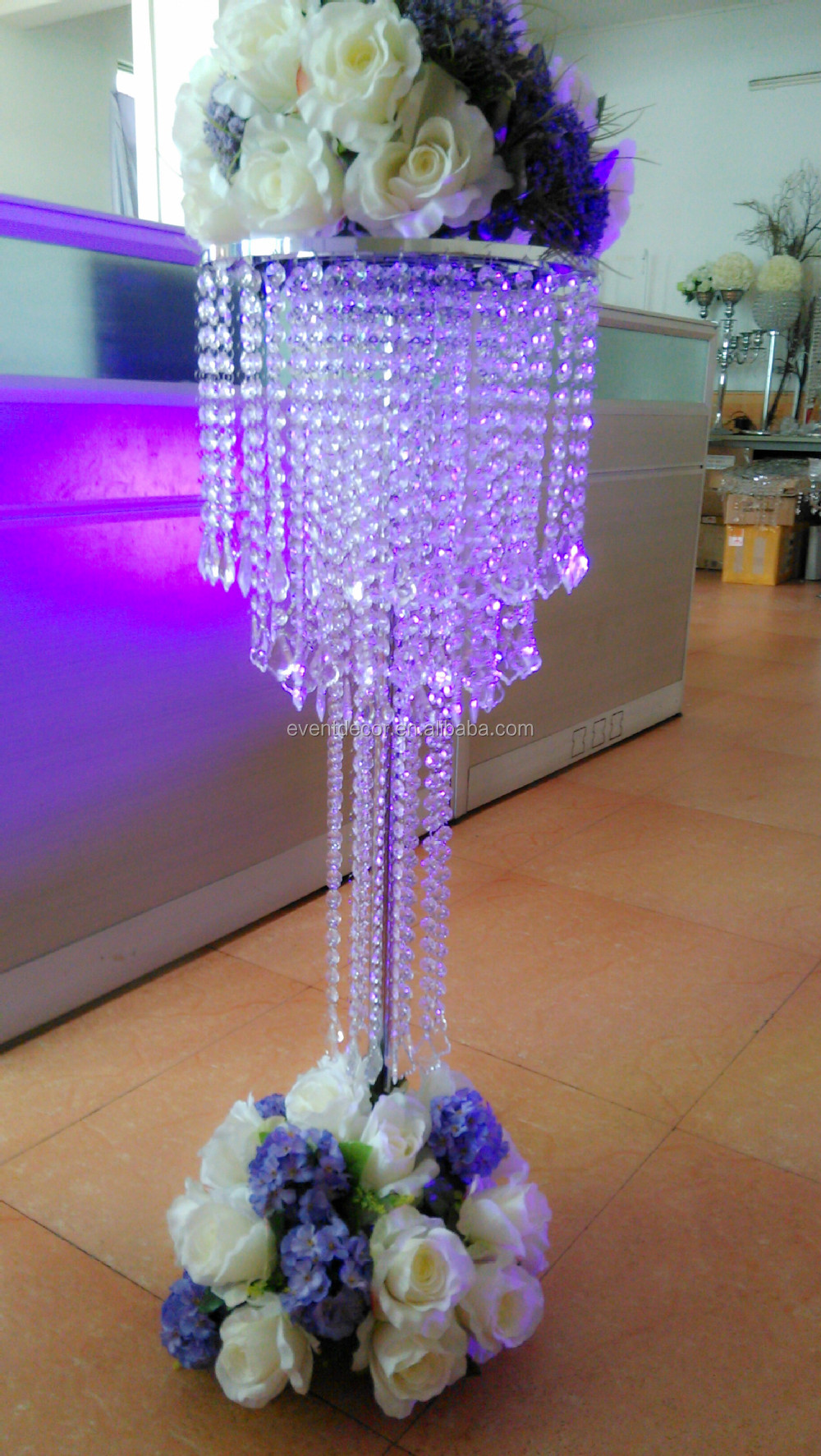 Modern acrylic wedding chandelier centerpieces for