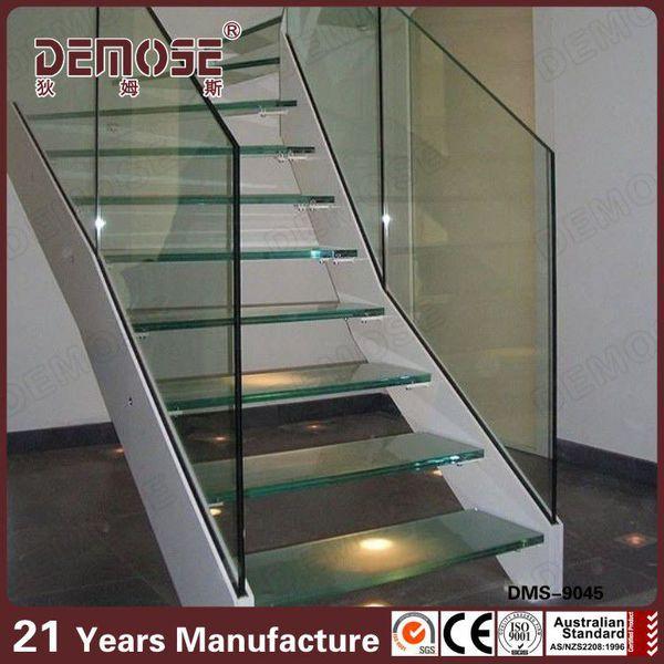 doble viga de acero escalera con barandilla de vidrio y peldaos de vidrio
