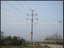 distribución de energía eléctrica de la línea de acero del poste