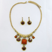2014 Hot sale fashionable model large brown shinestone necklace and earrings set