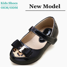 Kids shining leather black leopard casual shoes used shoes for girls